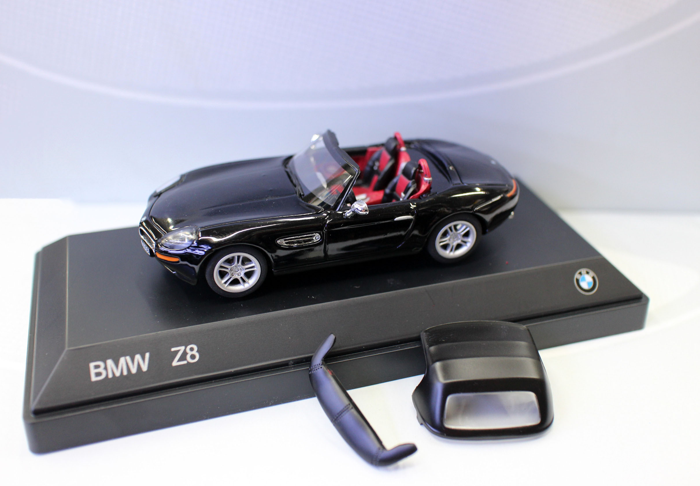 NEW Diecast Models car 1/43 Scale BMMW Z8 in Carboneblack met toys cars model for collection gift ixo altaya 1 43 scale ford mustang shelby gt 350h 1965 cars diecast toys models limited edition collection white
