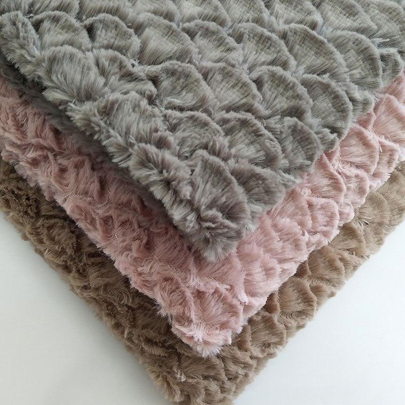 PV/PP, cepillo de terciopelo en forma de abanico, escamas de pescado, moda para el hogar, tela juguete decorativo para mascotas, venta al por mayor
