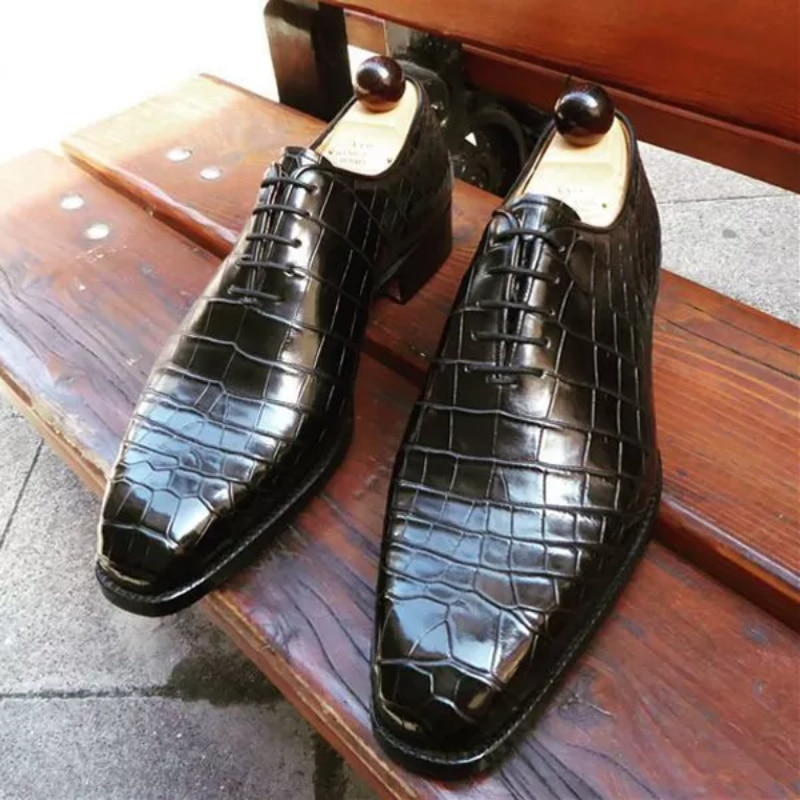 Spring and Autumn New Pointed Leather Shoes Men's Brock Men's Shoes British Bright Face Raised Hair
