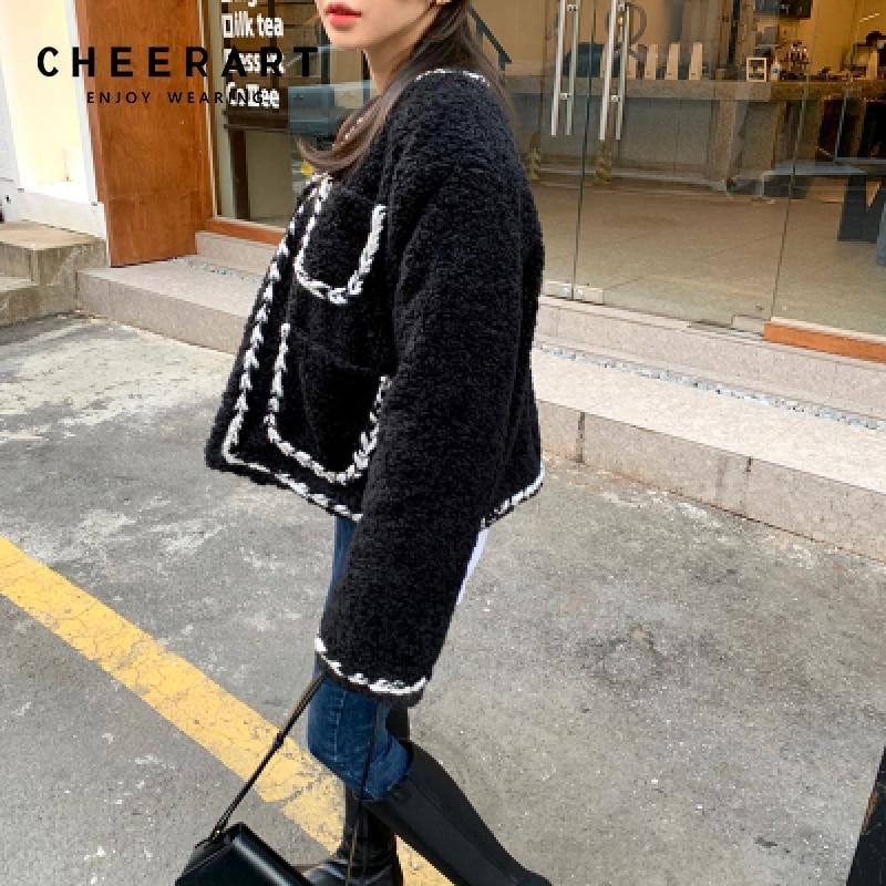 سترات شتوية نسائية مبطنة من شركة شيربا موضة كورية سوداء معطف امبسوول فروي ملابس 2021