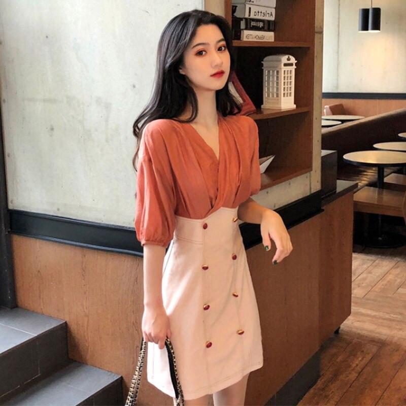 V-neck dress small A- line skirt Lingya wind middle sleeve waist super fairy dress