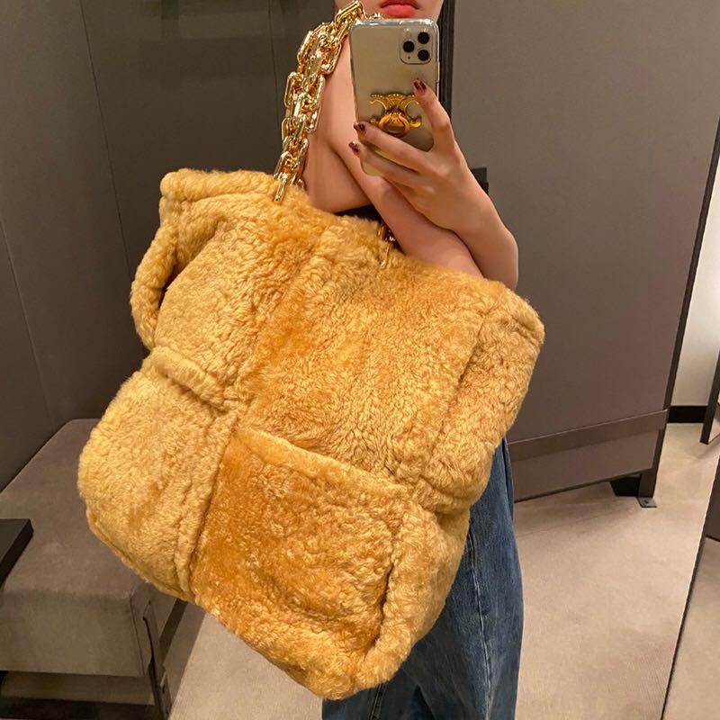 جديد المرأة سميكة سلسلة حقيبة قطيفة مصمم شخصية الموضة المنسوجة شنطة كتف صافي سعة كبيرة حقيبة صغيرة