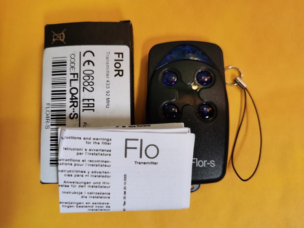 FLO4R-s  Flo2r-s garage door opener remote control flors remote control  Flor-s FLO1 FLO2 FLO4 remotes 433.92mhz rolling code