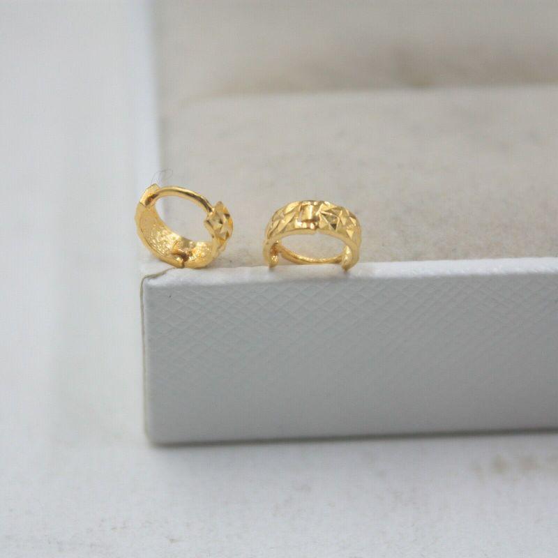 Pendientes de oro amarillo de 18K liso puro, pendientes de aro de la suerte para mujer, 0,6-0,8g, 7x3mm (pequeño)