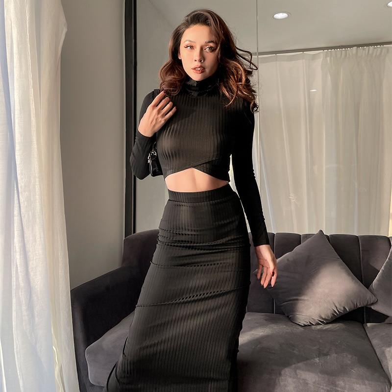 2021 ربيع جديد الموضة الياقة المدورة طويلة الأكمام المحاصيل الأعلى مرونة عالية جمع الخصر ضيق مثير عالية الشق تنورة 2 قطعة مجموعة النساء