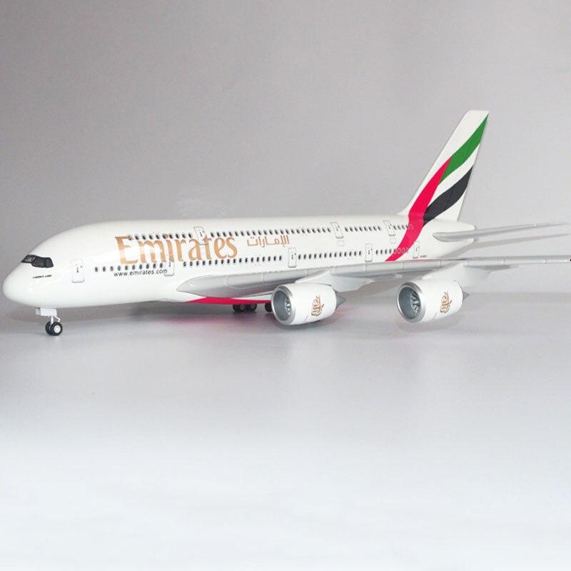 Modelo de avión A380 de Emiratos de escala 1/160 con luz de 45,5 cm, modelo de avión, rueda de plástico fundido a presión, juguete de avión de resina