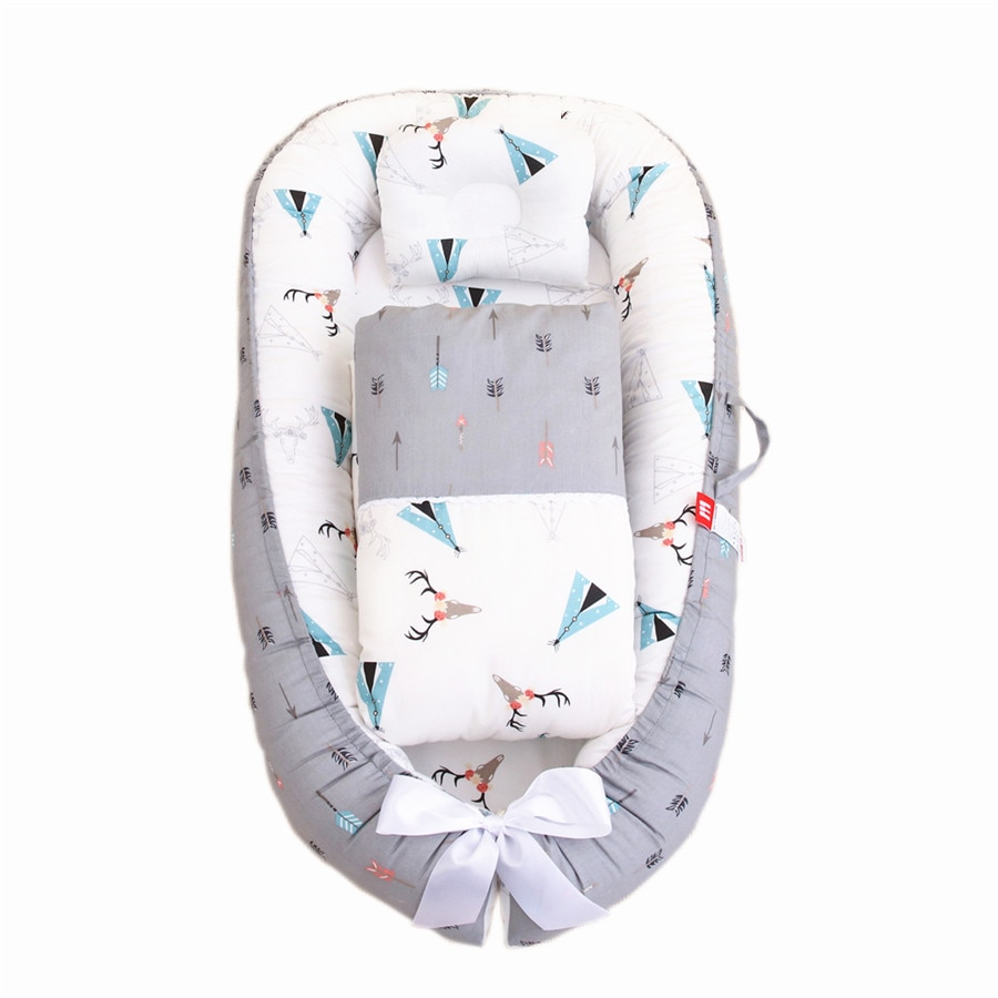 المحمولة القابلة للإزالة وقابل للغسل الضغط واقية سرير طفل Bionic الطفل وسادة الأم عناق السفر سرير