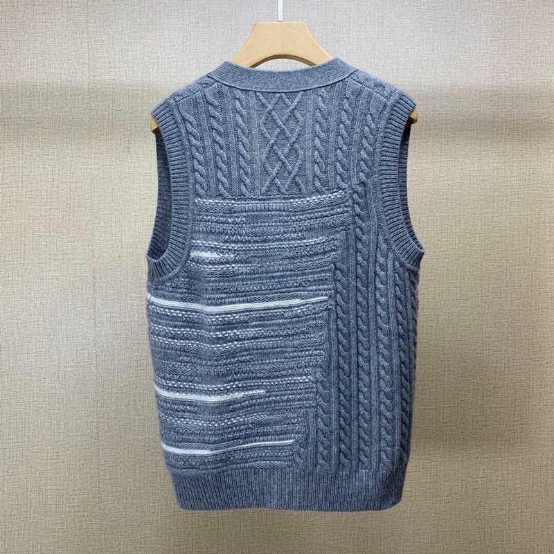 2021 autumn new product Bai Fumei cashmere yarn V-neck casual sweater vest knitted sleeveless cardigan enlarge