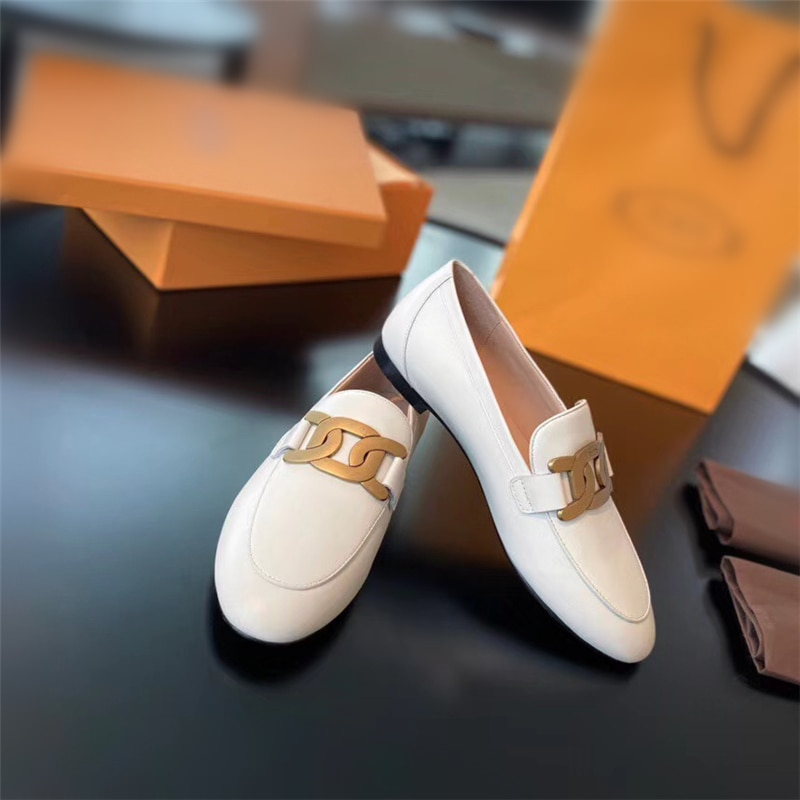 2021 European and American spring and autumn new women's flat shoes with metal buckle decoration loafers