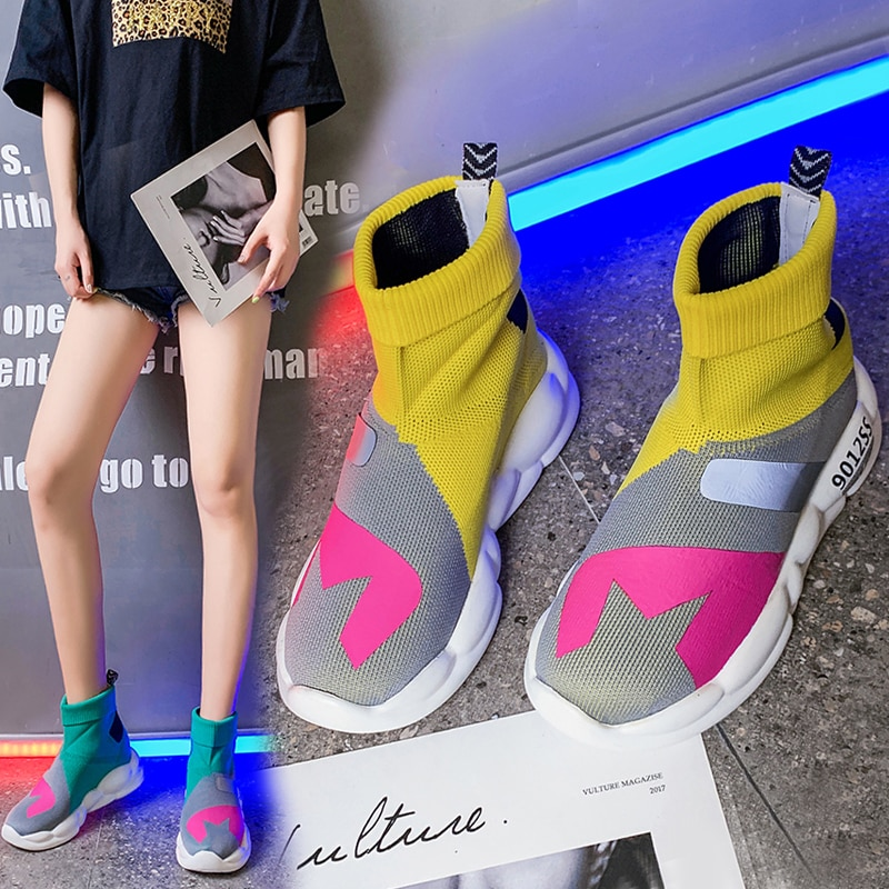 Botas de primavera, zapatos planos para mujer, calcetín 2019, zapatos ligeros elásticos, calcetines de punto coloridos informales para mujer, zapatos de verano de colores combinados