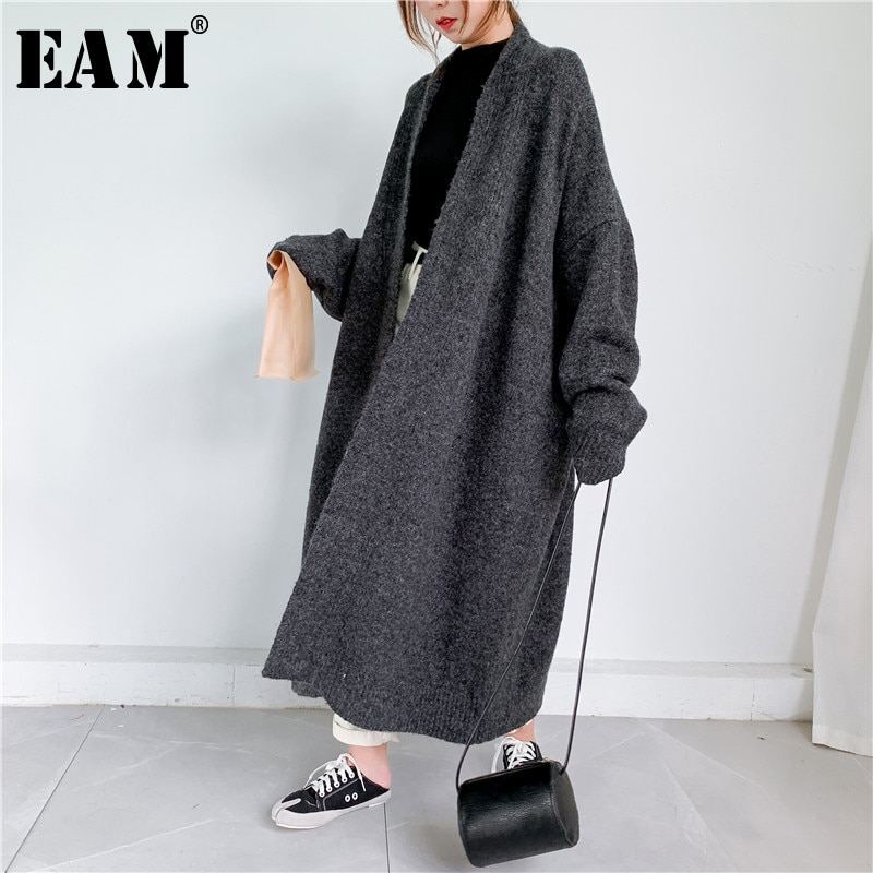 [EAM] Gray Big Size Thick Knitting Cardigan Sweater Loose Fit V-Neck Long Sleeve Women New Fashion Tide Autumn Winter 2021 1Y163