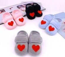 Zapatos de bebé de corazón rojo rosa para recién nacidos y niñas, zapatos de bebé para primeros pasos, zapatos de cuna antideslizantes negros para bebés, novedad de 2019, SandQ Baby Sweet