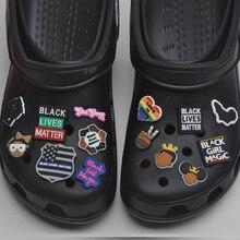 1 pz PVC Croc Charms Designer pantera nera per Croc sandali accessori nero vite materia fibbia merita per regalo per bambini