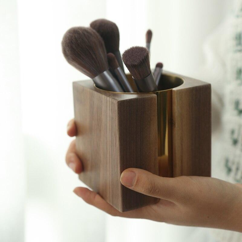 حامل قلم من الخشب الصلب على الطراز العتيق ، صندوق تخزين من خشب الجوز والنحاس لتزيين المكتب ، أنبوب تخزين مستحضرات التجميل لغرفة النوم