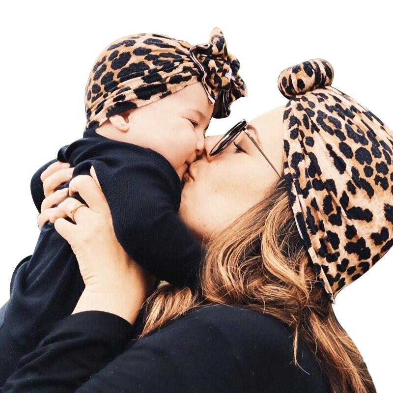 Gorro turbante para recién nacido, bebé niña, niño y Mamá, lazos Flores, envoltura para la cabeza, sombrero de leopardo de la India, gorro de algodón, gorro para padres e hijos