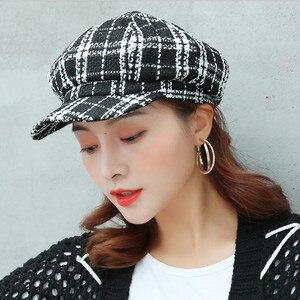 Korean Retro Octagonal Cap Women Fashion Tweed Plaid Berets Hat Winter Adjustable Warm Newsboy Cap Hats Bakerboy Military Hats