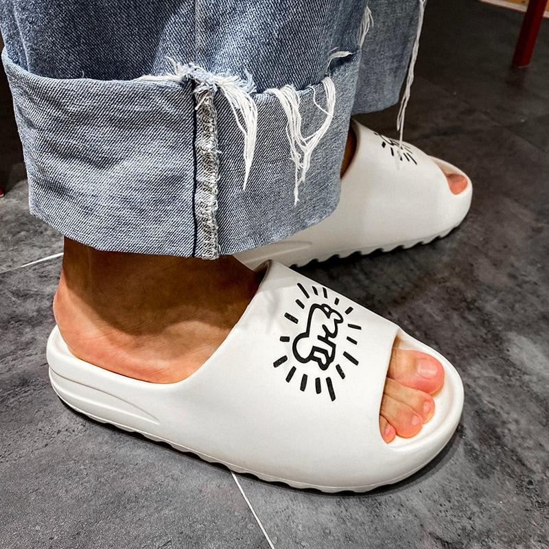 sleepers shoes men 2020 Brand Slide Slippers Men Indoor Soft Men's home slippers Beach Flip Flops Flats Graffiti Shoes Man