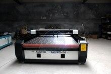 Chine Jinan AccTek mangeoire automatique cnc deux têtes laser carver machines 1626 avec une meilleure efficacité de travail