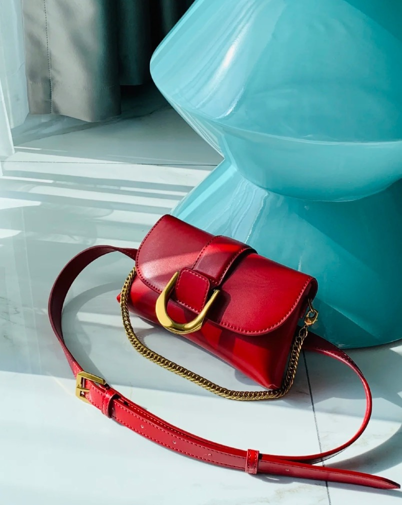 Olique small square bag 2021 new fashion horseshoe buckle handbag chest bag simple chain shoulder