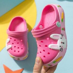 Новая летняя одежда для детей с рисунком «крокодил» Обувь для мальчиков и девочек кролик светильник Нескользящие Детские Дачная обувь для ...