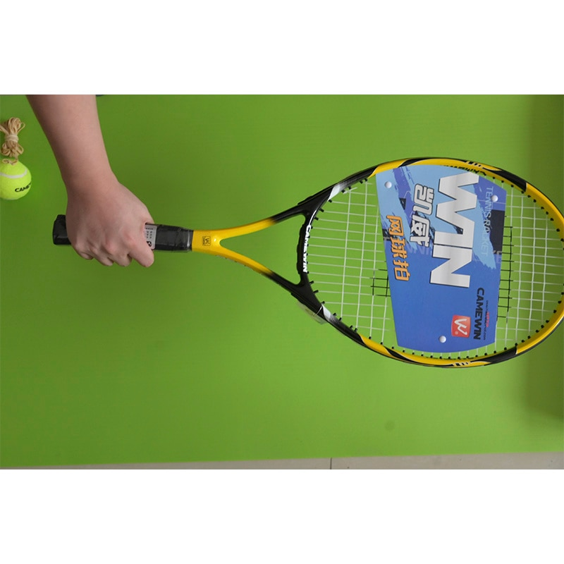1pcs Professional Tennis Racket with 2 balls,Gift Two bracers,Carbon aluminum alloy, Integrated Adult Paddle