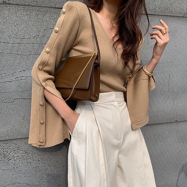 Korean Chic Early Spring New Western Style Button Bell Sleeve Slit Knit Sweater Sneaky Design V-neck