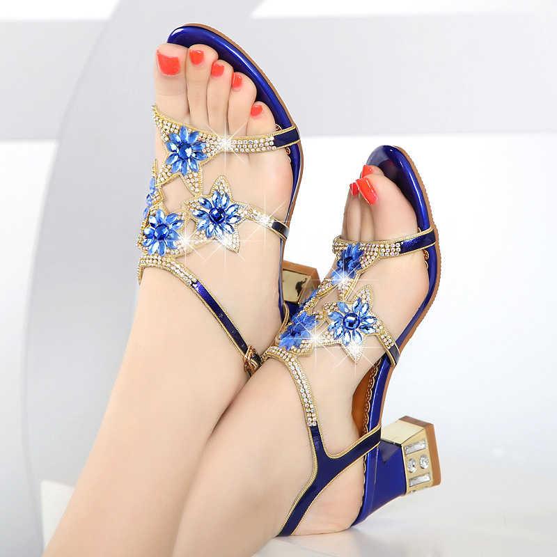 Sapatos de Salto Sandálias Femininas Novo Verão Alto Strass Salto Médio Couro Diamante Grosso 2021