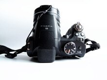 USED Fujifilm FinePix S4200 Digital Camera 3-inch LCD display High Quality Fujinon 24x Optical Zoom Lens 14MP CCD 720p HD Movies
