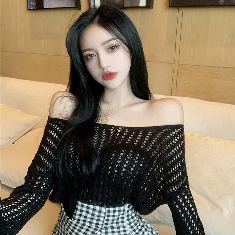 Korean Style Spring New Sneaky Design off-Shoulder Crocheted Hollow-out Loose Sexy Long Sleeve Sweat