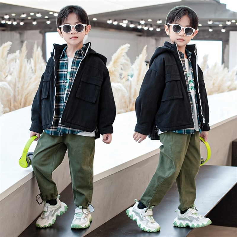 Boy's quilted cotton coat winter clothes cotton-padded trench coat children's padded jacket medium and large children's clothing enlarge