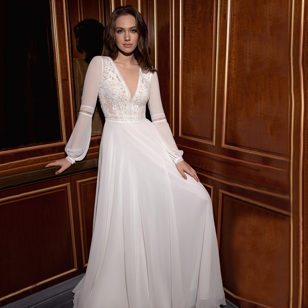 Promo Bohemian Wedding Dress A Line With Long Sleeves V Neck Chiffon Bridal Gown For Bride Floor Length Sweep Train Civil Skirt 2021