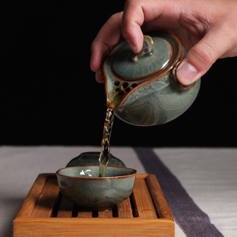 China Longquan Celadon juego de té portátil Kung Fu una olla y dos tazas de té taza de té (no incluye bandeja de té de bambú)
