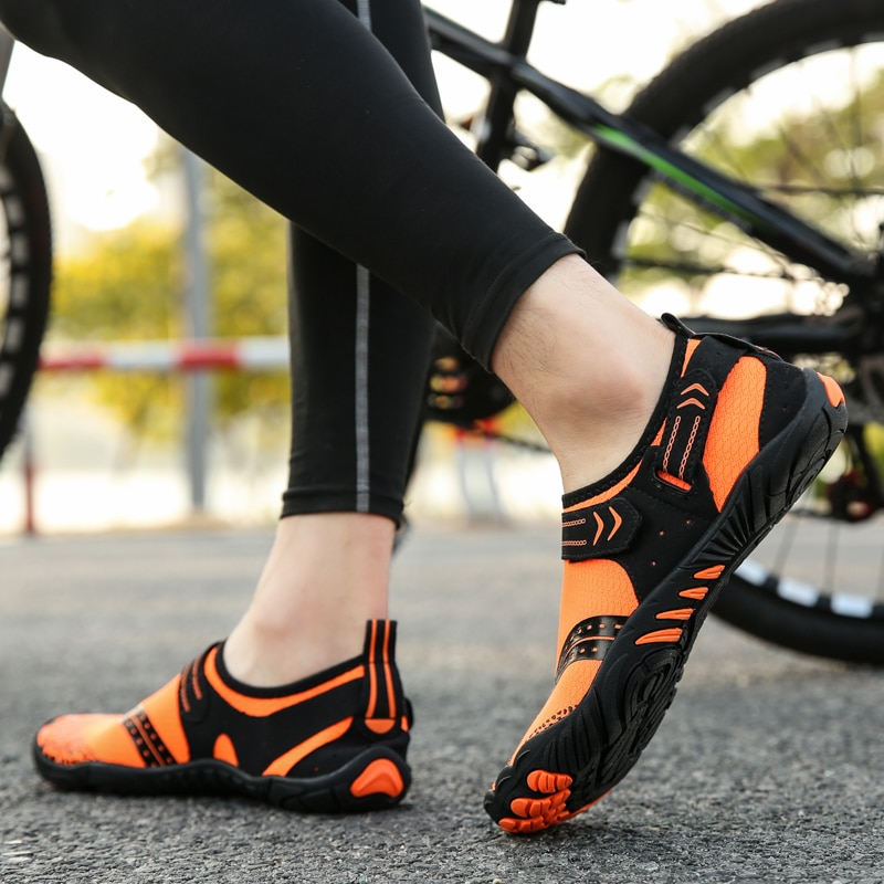 Coppia scarpe sportive all'aperto trampoliere pesca scarpe da spiaggia equitazione escursionismo scarpe da corsa yoga scarpe da fitness traspiranti e confortevoli