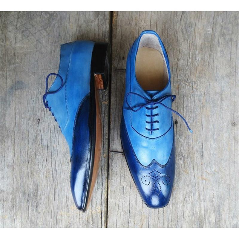 2021 جديد حذاء رجالي موضة عادية الأعمال مأدبة فستان اليدوية الأزرق بو خياطة جوفاء الدانتيل البروغ أحذية 3KC475