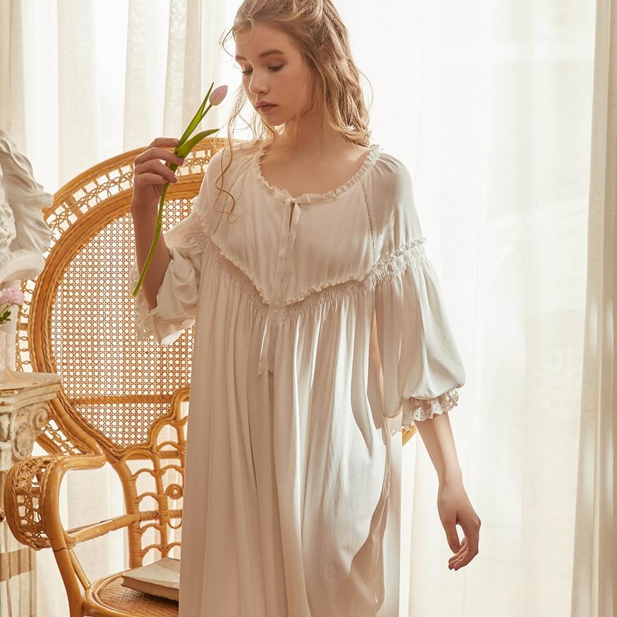 ثوب نوم نسائي ، ملابس نوم ، ثياب نوم ، نمط رومانسي فيكتوري عتيق ، أبيض ، وردي ، صيفي