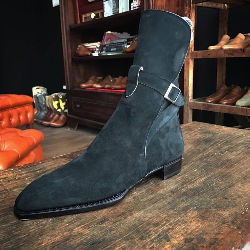جديد الرجال الجلد المدبوغ الجانب مشبك الأحذية مربع كعب مسطح القاع وأشار الأوسط أنبوب الأحذية غطاء قدم أحذية الرجال الساخن بيع AQ179