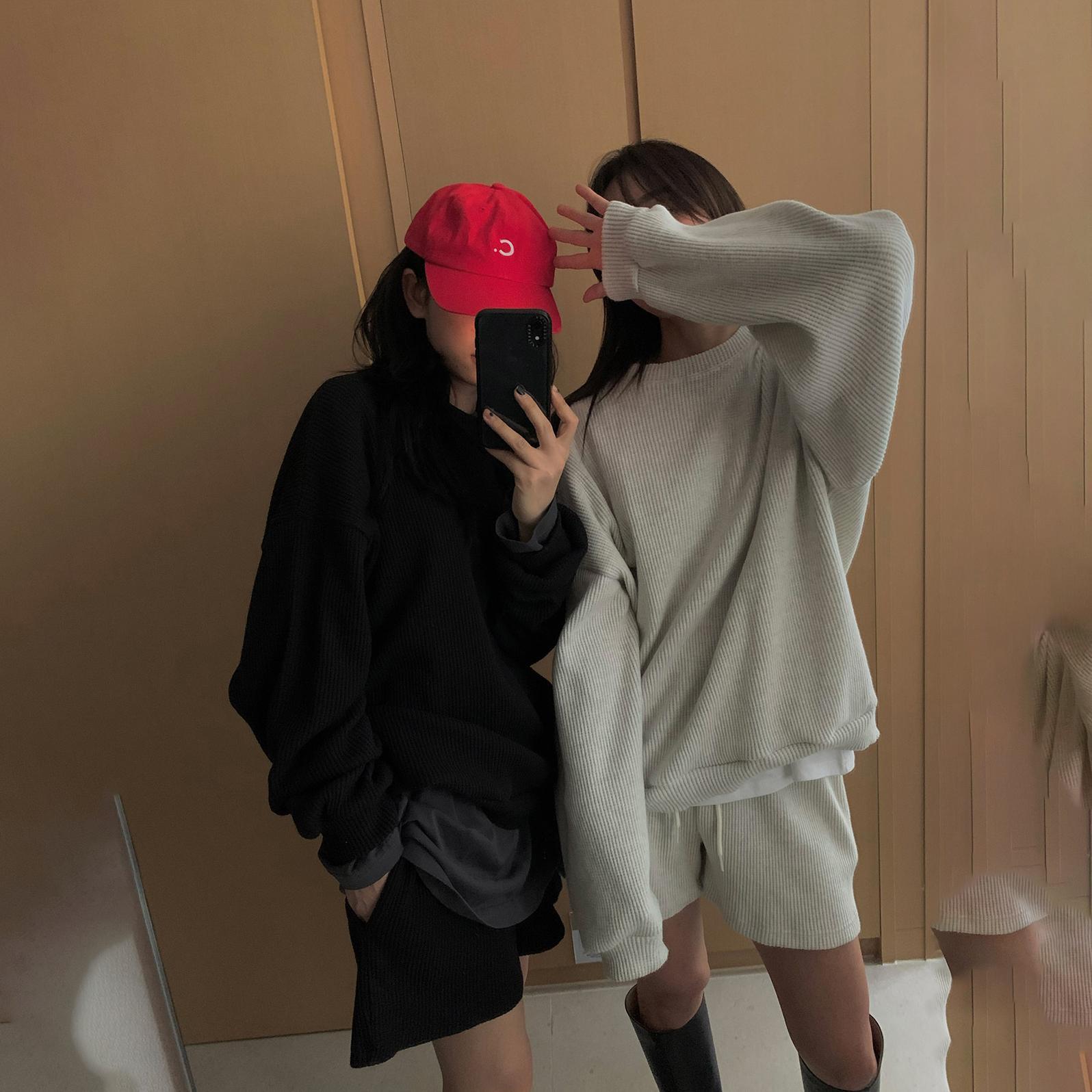 مجموعة ملابس رياضية صيفية للنساء من cpretty موضة 2021 بلوزة برقبة دائرية عالية الخصر سراويل قصيرة فضفاضة كورية مريحة طقم ملابس نسائية 57732 #
