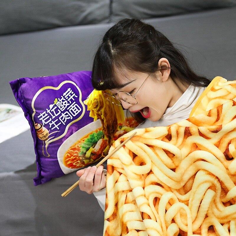 Kawaii manta simulación fideos instantáneos almohada de felpa con manta relleno de ternera frito cojín con gráfico regalos de fideos Ramen Food Toy