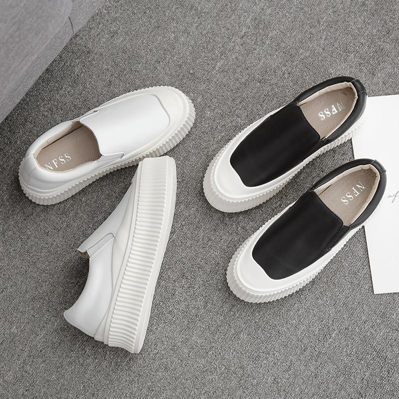 لينة أسفل جلد ليتل حذاء أبيض للنساء 2020 جديد النسخة الكورية الصيف تنفس زيادة منصة واحدة منصة pla