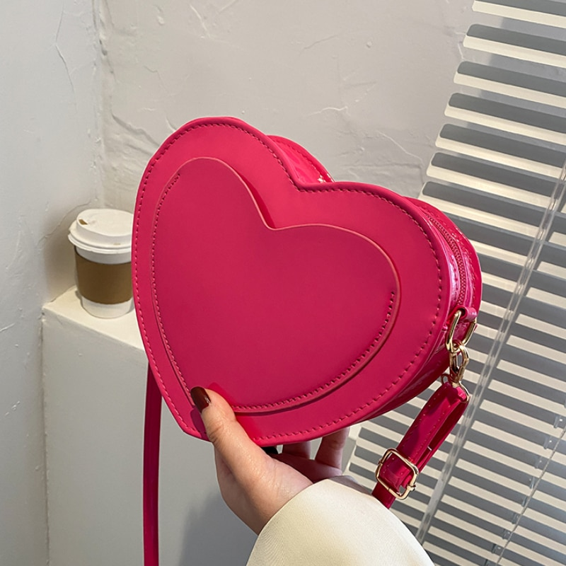 fashion hollow women shoulder bags designer leather weave handbags luxury chains crossbdoy bag lady small flap clutch purse 2020 PU Leather Women Heart-shaped Crossbody Bag Luxury Designer Small Shoulder Bags for Ladies Female Evening Clutch Purse Handbags