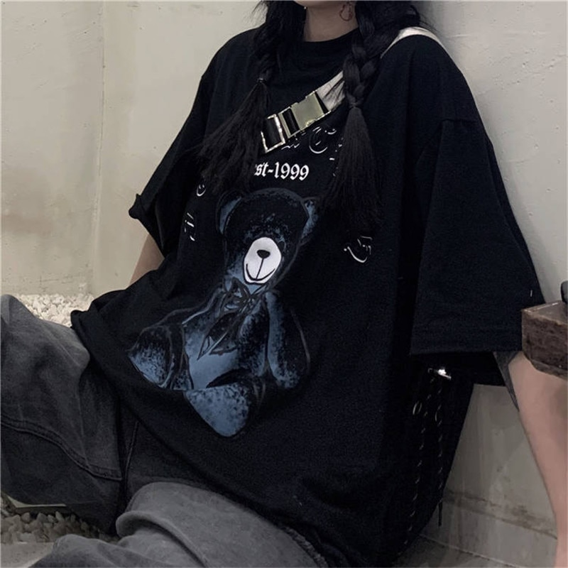 Camiseta Harajuku bonita de dibujos animados, camiseta Punk de Hip Hop para mujer, ropa de calle con oso, camiseta negra fresca de media manga, camisetas casuales sueltas para chica