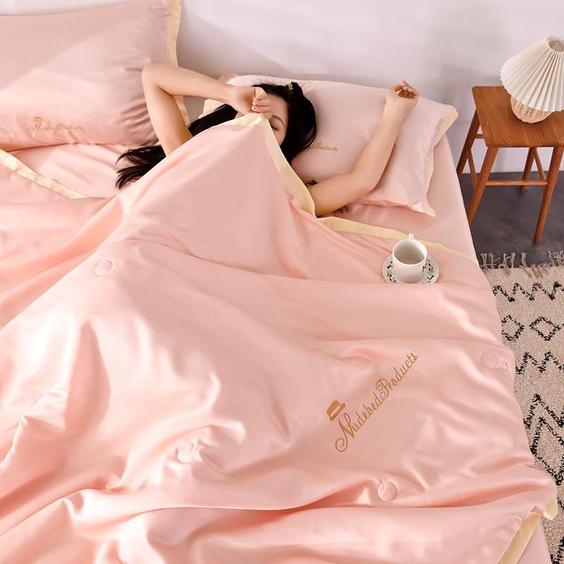 الصيف الصلبة الفراش 4 قطعة مجموعة الصيف المعزي جديد 100% الحرير السرير البياضات تكييف لحاف غسلها القطن رمي البطانيات