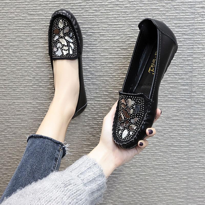 سيدة جلدية عادية الشقق Famela مريحة المتسكعون بريق حذاء أسود المرأة الانزلاق على لامعة الشقق امرأة المتسكعون 2021 العصرية