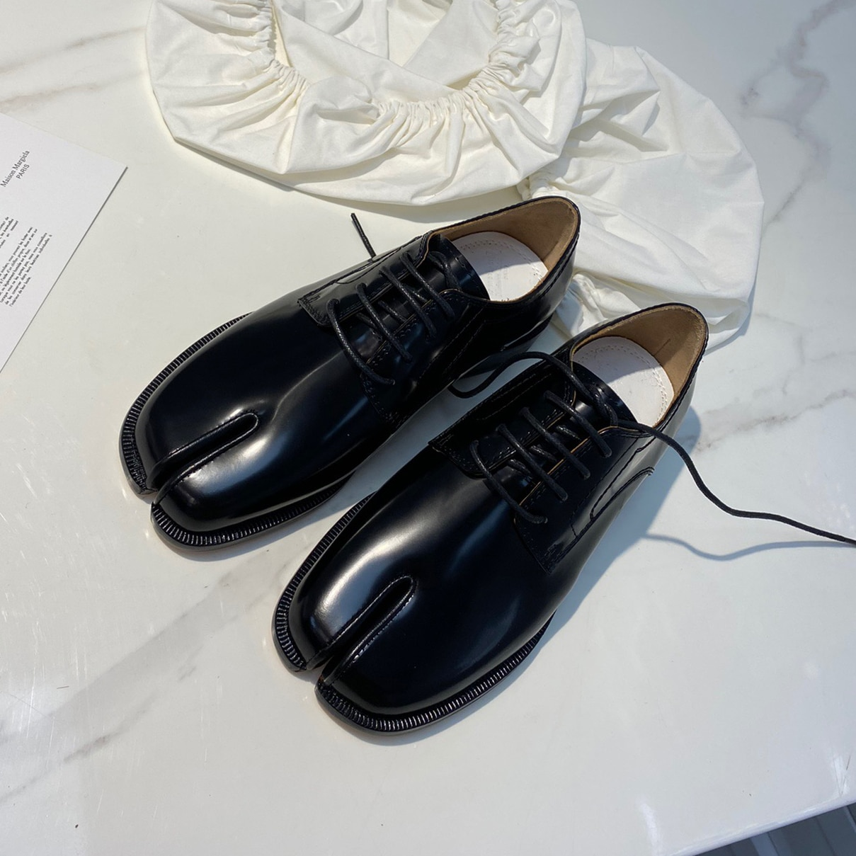 نساء ربيع حقيقي أحذية جلدية بدون كعب للمرأة عالية الجودة السيدات أحذية مسطحة واحدة منفصلة تو حذاء كاجوال احذية نسائية