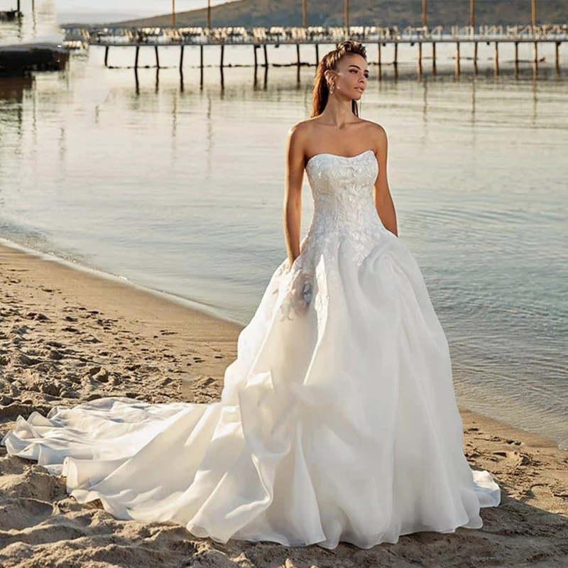 Get Bride Dress Luxury Vintage Wedding Dress Appliques Lace Chiffon Sleeveless Off Shoulder Tube Top Custom Made Train