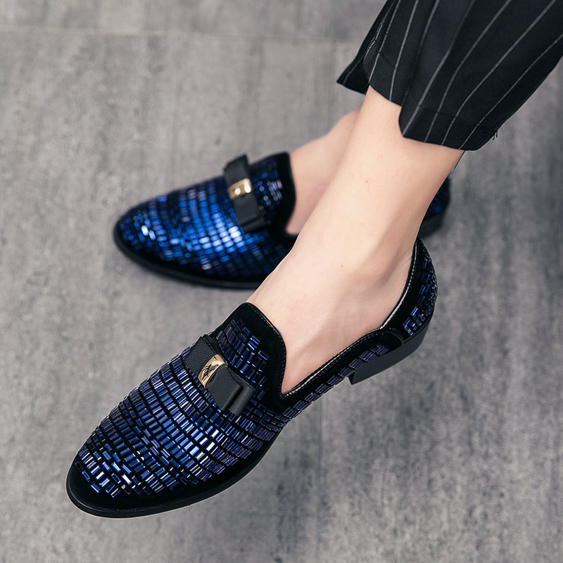 جديد الموضة جلد Gentleman الإجهاد أحذية الرجال أحذية قيادة الأعمال المتسكعون chaussure ملهى ليلي الحفلات الشقق فستان أزرق