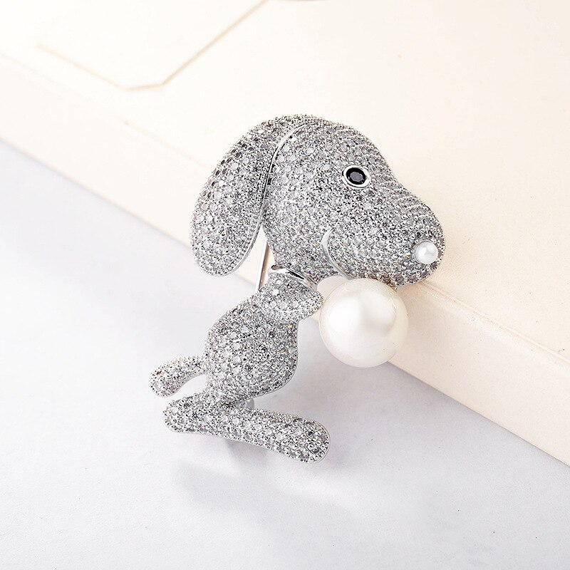 Broche con diseño de perro de dibujos animados de circón austriaco accesorio encantador diseño brillantes cristales hermosos broches de animales solapa Pin regalo