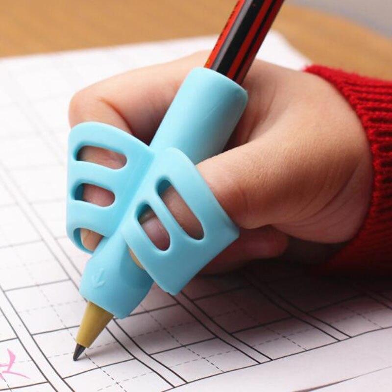 Dos-pluma en forma de dedo de silicona titular del bebé de aprendizaje de escritura herramienta de corrección de lápiz de papelería conjunto de 3 piezas de regalo 2 pieza de pescado