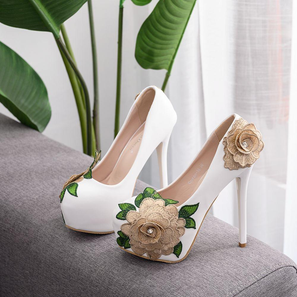 Bombas de plataforma de cristal de reina vestido de boda zapatos de marca de diseñador Sexy de punta redonda zapatos de tacón alto Mujer fiesta bombas encaje flor