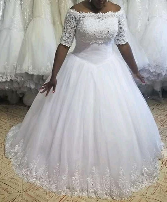 Get Luxury Crystals Beaded White Ball Gown Wedding Dress For Women 2021 African Half Sleeve Princess Long Tulle Lace Bride Dresses